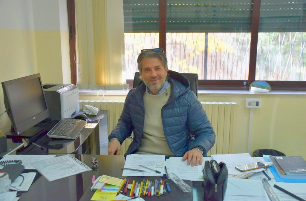 """Lettera di auguri del Dirigente Scolastico per le festività natalizie alla Comunità Educante dell'I.P.E.O.A. """"M. Lecce"""""""